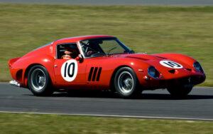 1962-ferrari-250-gto-3-300x188 Обзор легенды. Ferrari 250 GTO.